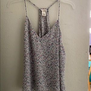 Adorable flower tank top!